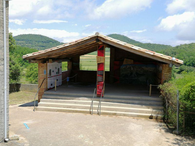 Can Passavent Information Centre
